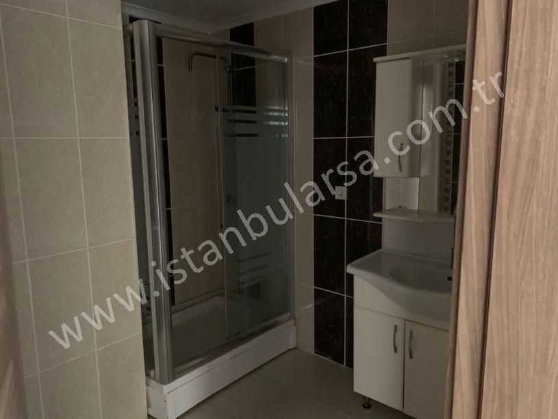 Arnavutköy Merkezde 130 m2 1,kat kiralık daire