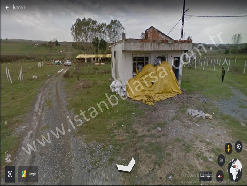 Arnavutköy Taşoluk,ta Satılık Arsa ,  821 M2 İçerisinde  Ev, Ahır , Depo Var